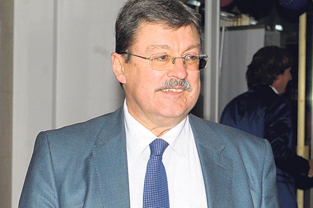 Simić: Srbija ima kišobran MMF