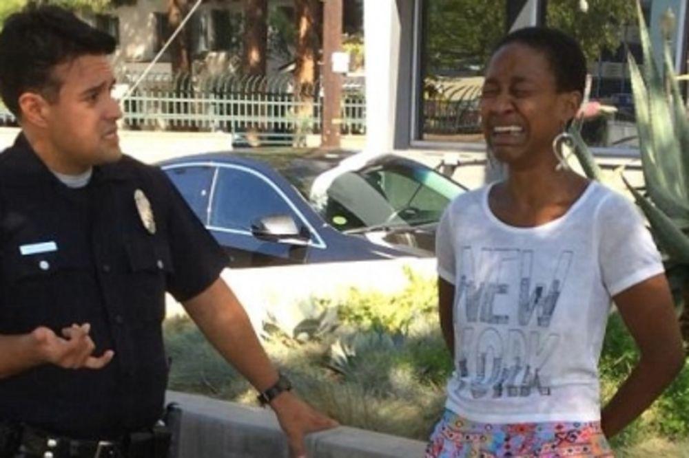 KAD SE CRNKINJA UDA ZA BELCA: Glumica se ljubila s mužem na ulici, uhapsili je kao prostitutku!