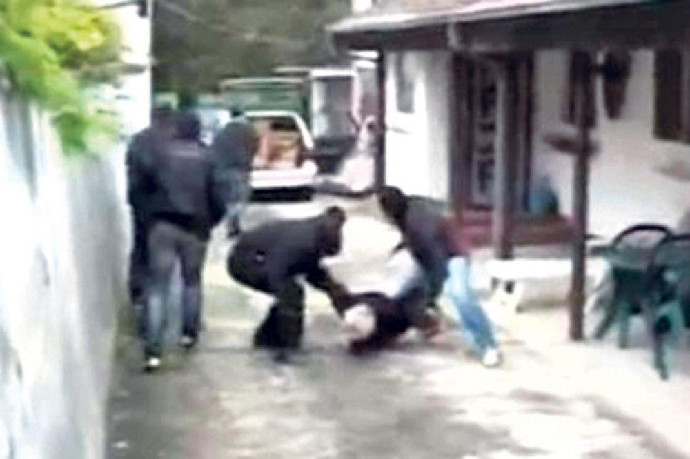 POGLEDAJTE HAPŠENJE KRIJUMČARA DROGE U ZEMUNU: Policija zaplenila 2 kilograma čistog heroina!
