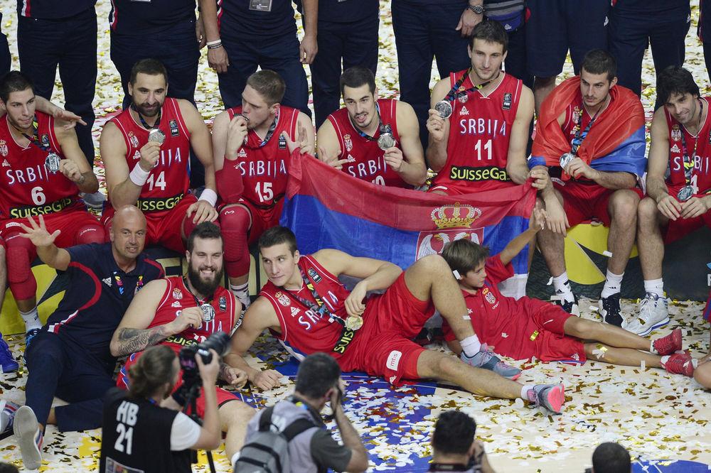 EKS-YU EUFORIJA NE PRESTAJE: Navijalo se za Orlove od Skoplja do Ljubljane!