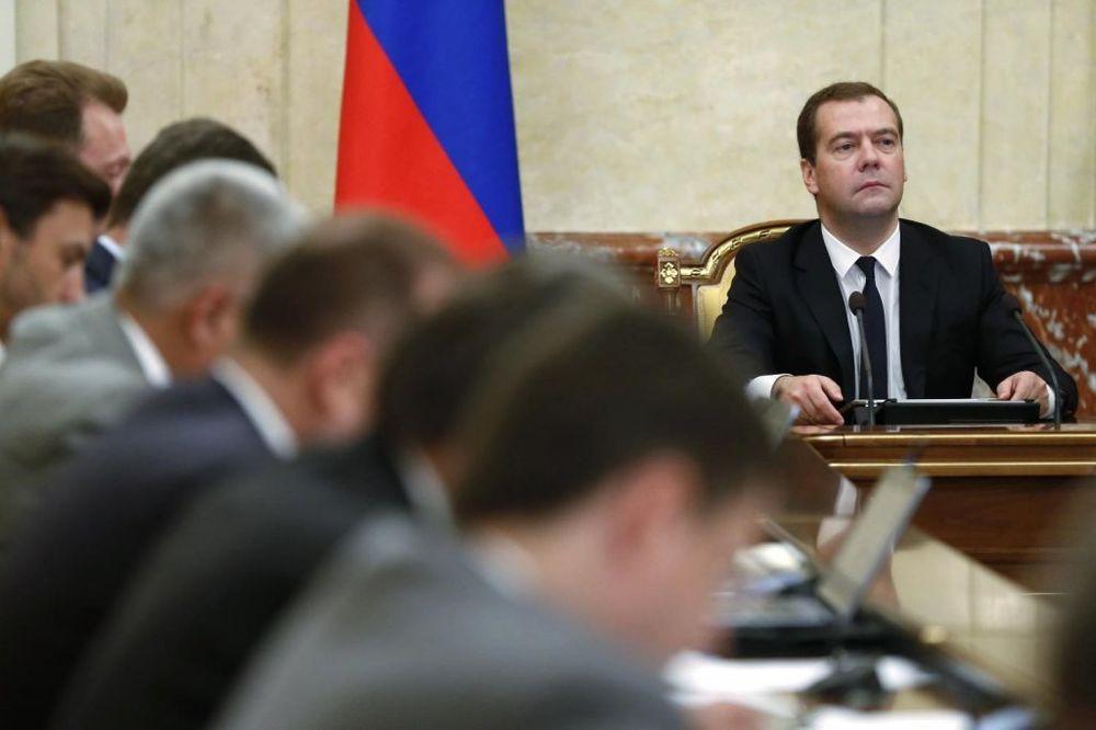 MEVEDEV: Sankcije su test za snagu Rusije i zemlja mora da reaguje promišljeno