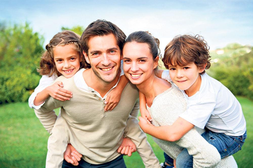 NEKAD SE VASPITAVALO PRUTOM: Roditelji danas mnogo mekši, razmažene dece sve više