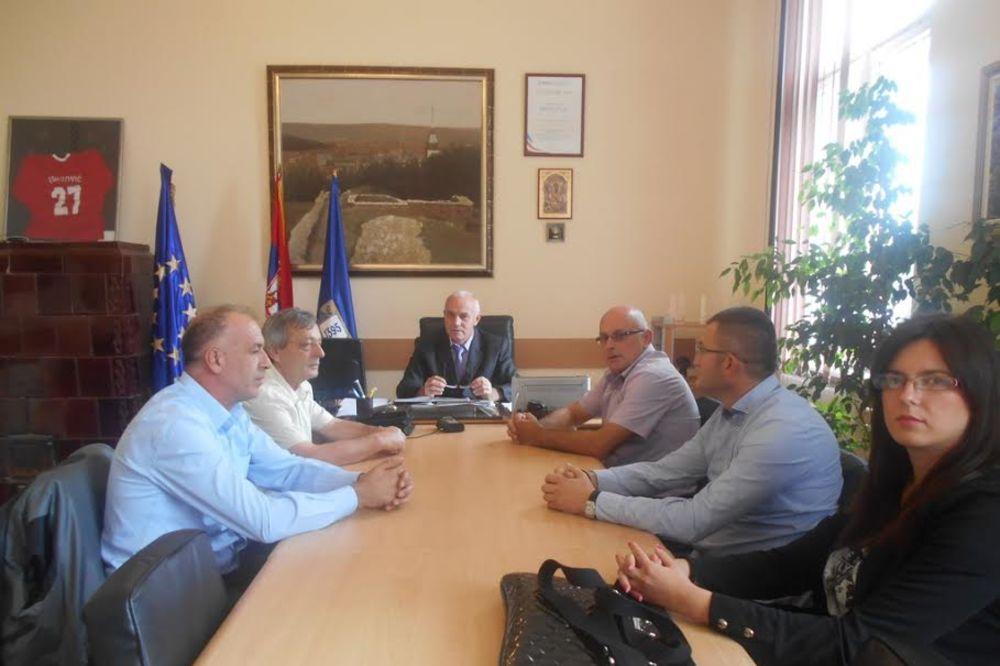 PROKUPLJE: Srbi sa Kosova doneli pomoć poplavljenima!