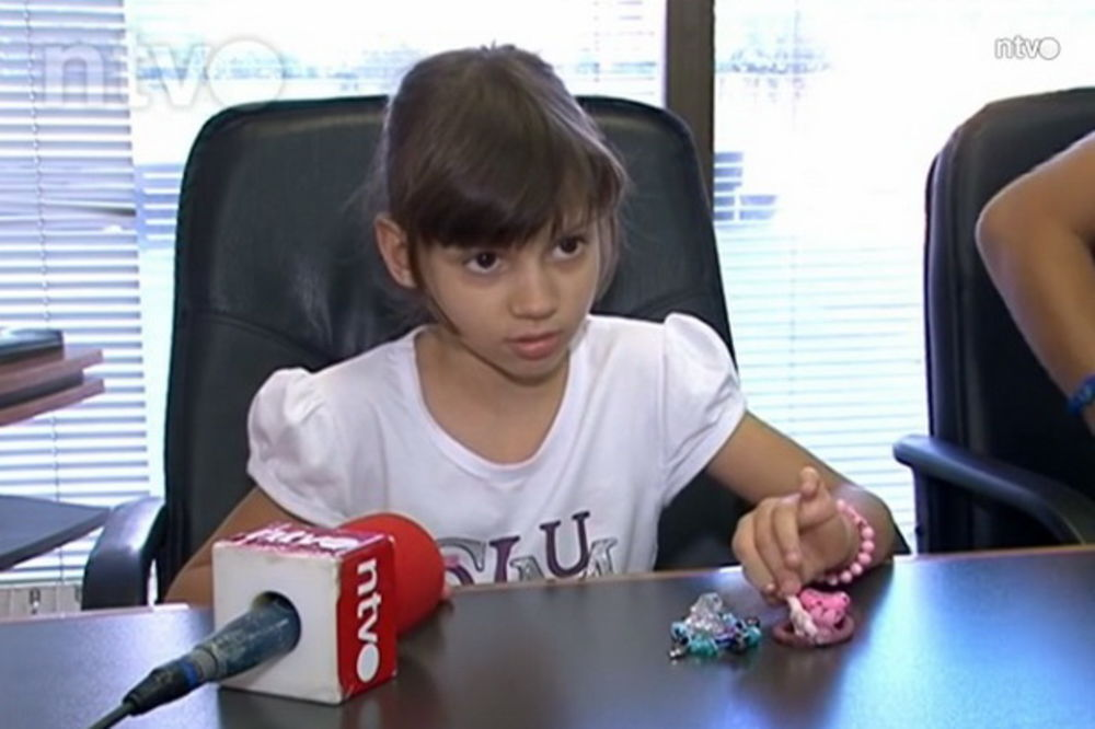 ZAHTEV LONČARU: Poslanik iz Niša traži hitan konzilijum za malu Andreju (7)