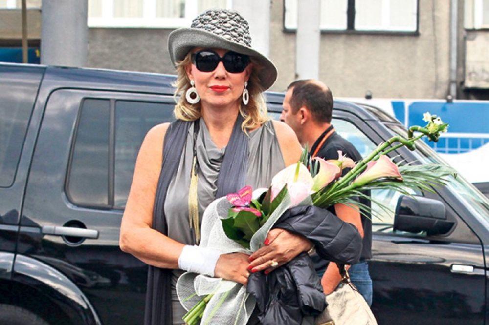 Lepa Brena: Volim tuđe svadbe, najbolje se provedem, a i prisetim svoje!