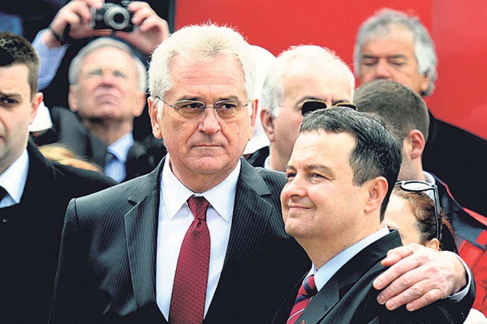SKANDAL: Ambasadori se Nikoliću žalili na Dačića!