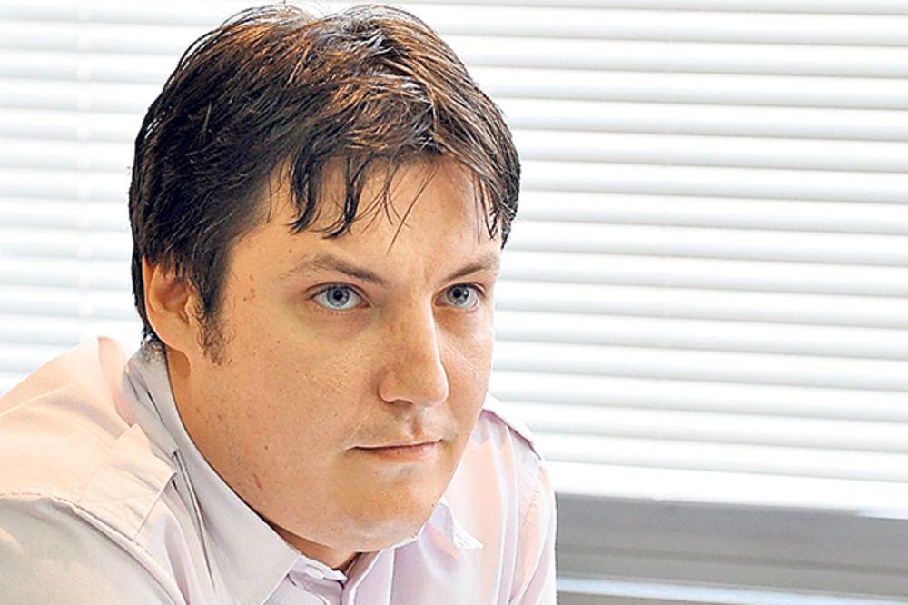 HIT POMOĆNIK MINISTRA NEMA SAKO: Konobar spasao Verbićevog čoveka!