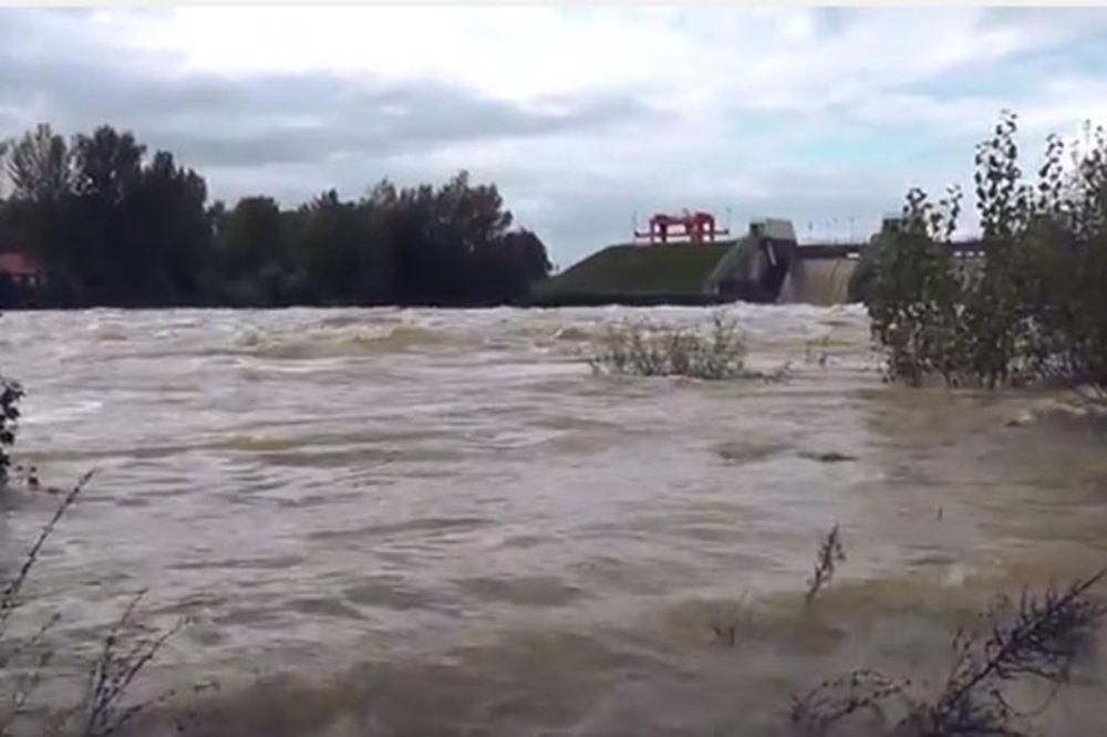 (VIDEO) PODIVLJALE DRAVA I MURA: U Podravini opšta opasnost zbog sudara dva vodena talasa