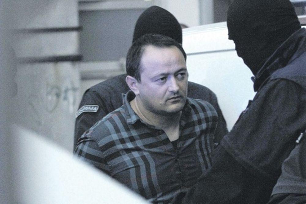POTPIS PROFESIONALACA: Ubica Armina Osmanagića pucao kroz zadnje staklo, beg pažljivo isplaniran!