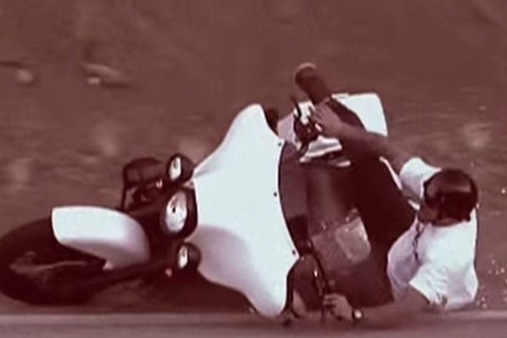 HTELI DA ISPADNU FRAJERI, A ISPALI... Pogledajte najsmešnije padove sa motora!