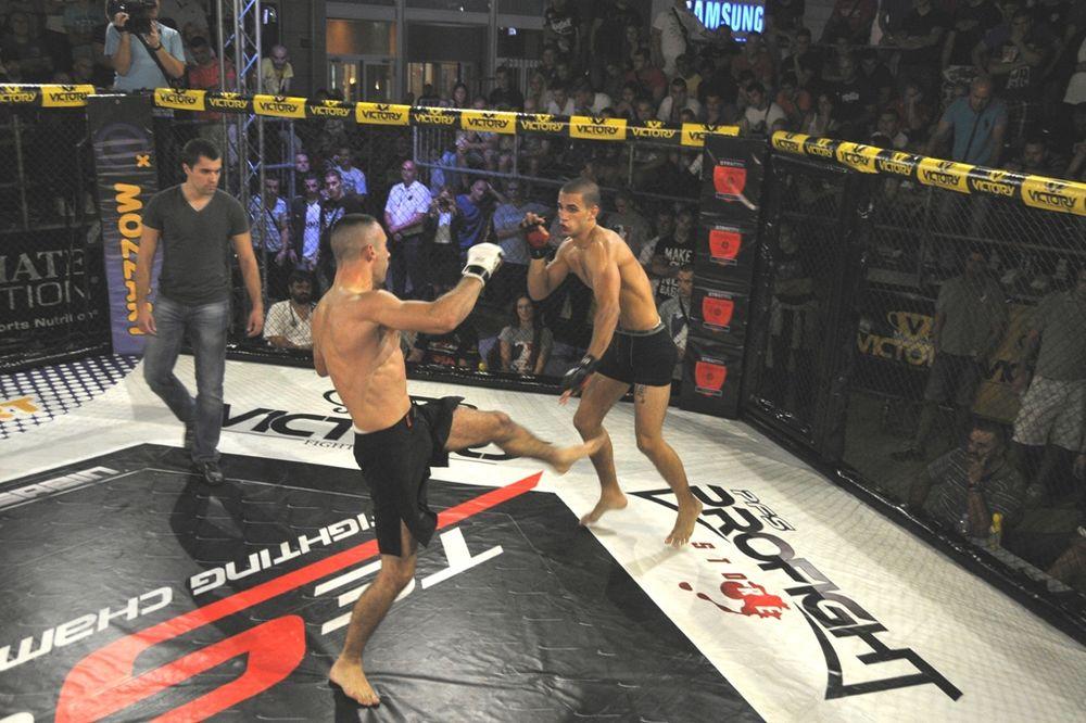 BORILAČKI SPEKTAKL: MMA borci u subotu pred Beograđanima