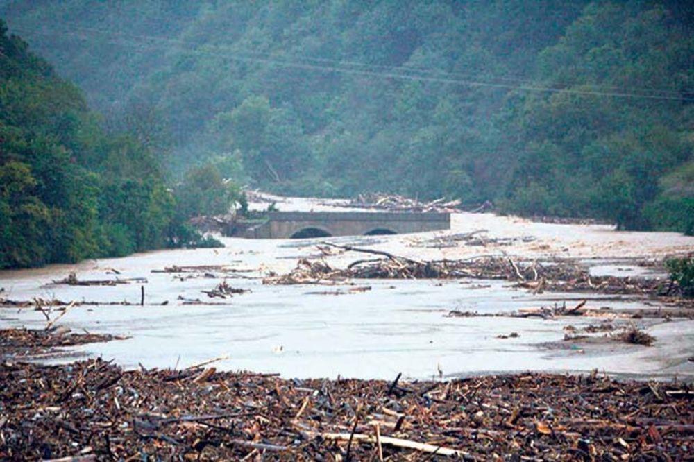 ALARMANTNO: Potopiće nas kiše, nema para za brane!