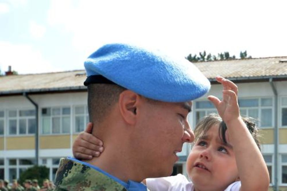 MIROTVORCI: General Diković ispratio vojnike u misiju na Kipar