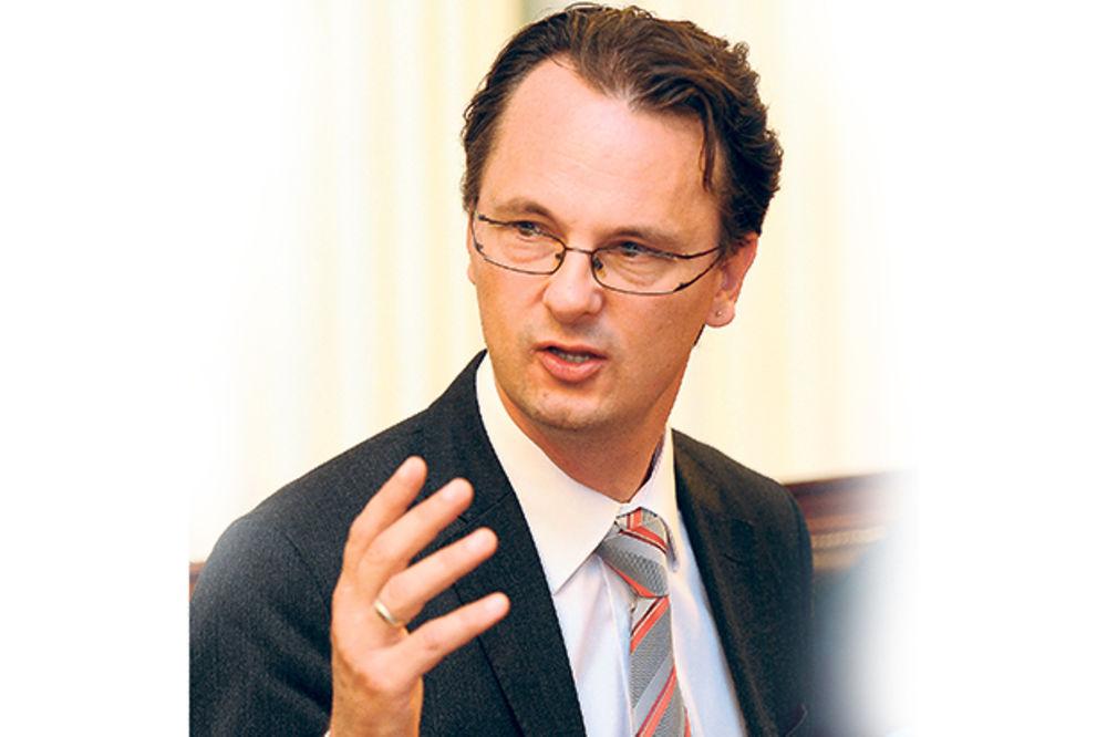 BRUKA: Srđan Verbić nije otvorio škole iako je obećao