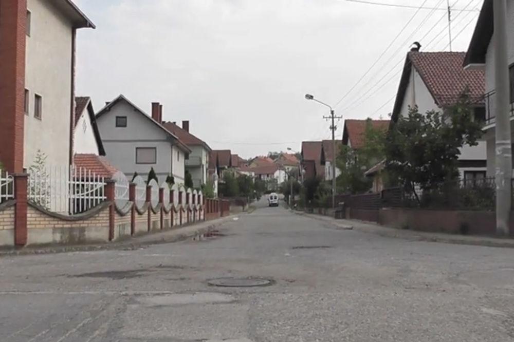 VIDEO ŠTALE OBLEPLJENE MERMEROM: Selo Mihajlovac ima više vila nego stanovnika!