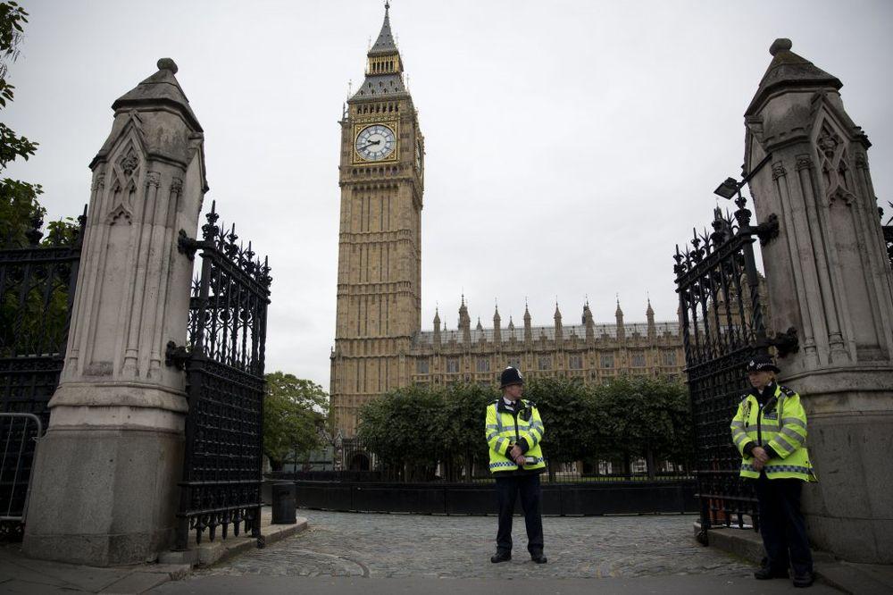 BRITANCI ŠOKIRANI: Žena silovana u britanskom parlamentu