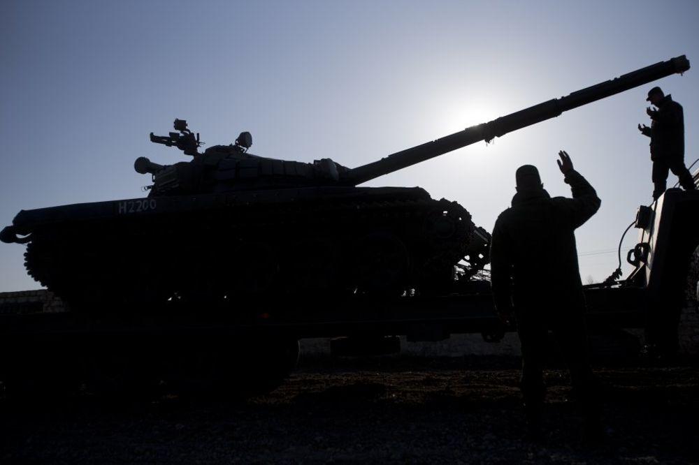 KIJEV: Rusija na Krimu nagomilala oko 4.000 vojnika uz granicu s Ukrajinom