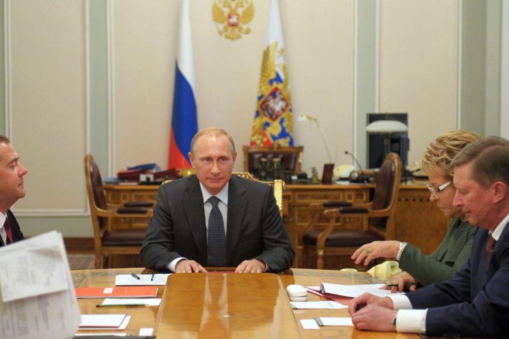 PUTIN: Evropske i američke sankcije protiv Rusije krše principe STO