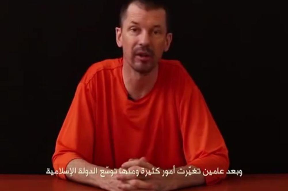 OKOMILI SE NA NOVINARE: Džihadisti objavili video zarobljenog Britanca Džona Kantlija