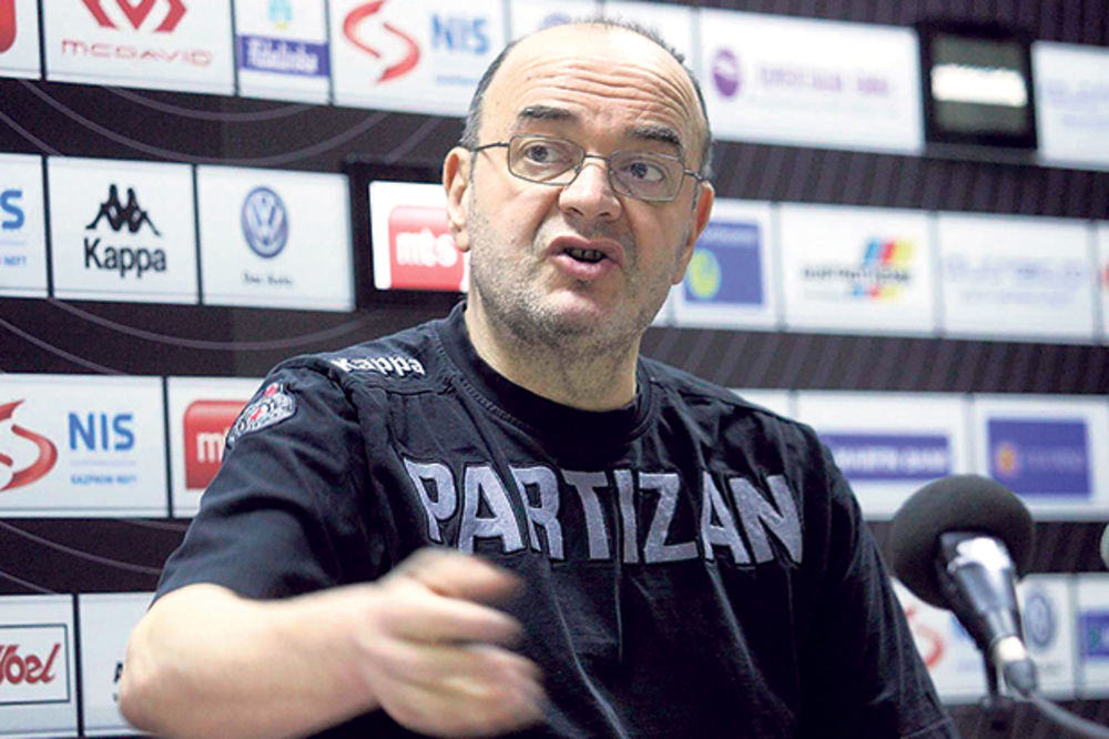 VUJOŠEVIĆ: Mi smo u Partizanu familija, a u familiji se nekada desi da neko opsuje ili udari dete