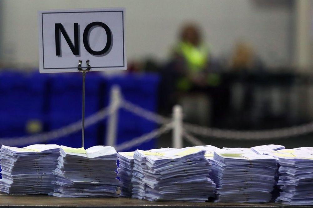 ŠKOTI REKLI NE: Ostaju u Velikoj Britaniji, škotski premijer priznao poraz