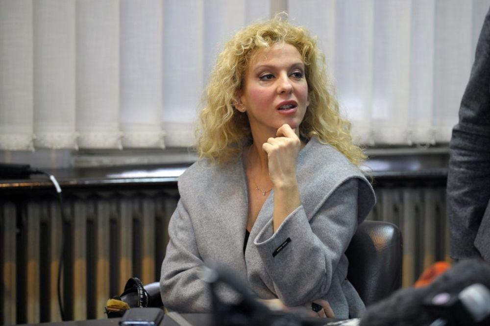 IVANA MIHIĆ PRIKOVANA ZA KREVET: Ne mogu da stanem na noge od bolova!