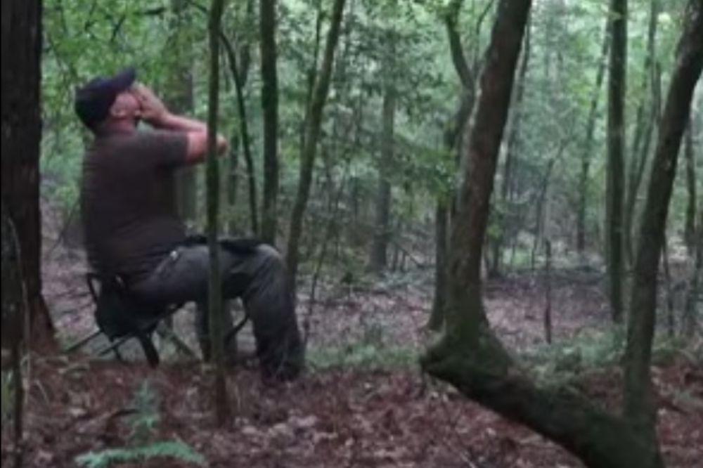 PERA SUPERGENIJE: Urlikom pozvao kojote i dobio jeziv odgovor...