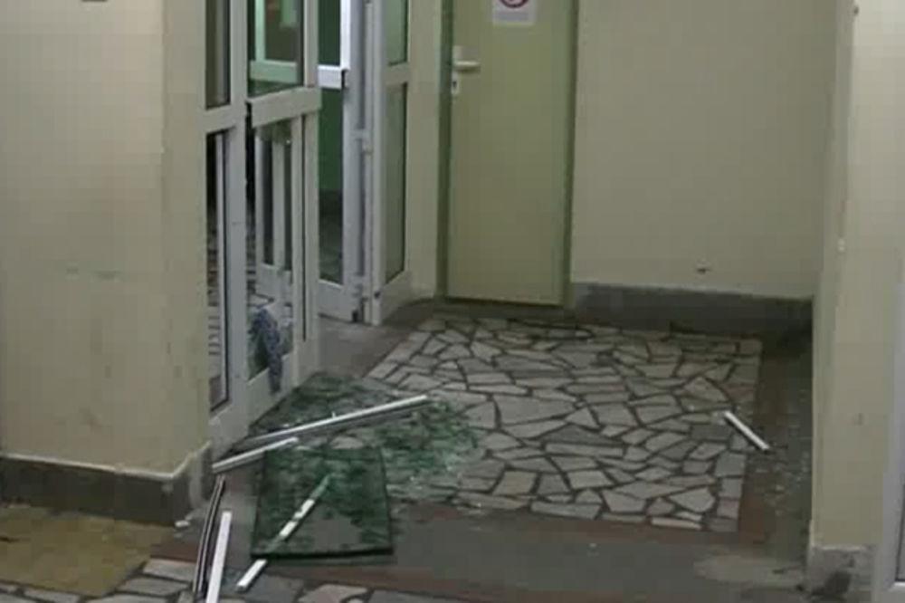 MAKLJAŽA U BOLNICI U VRANJU: Zbog naplate parkinga pretukli lekara i radnika obezbeđenja!