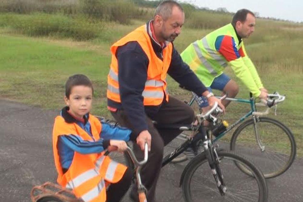 U EU NA DVA TOČKA: Mali Lav pedalirao do Rumunije!