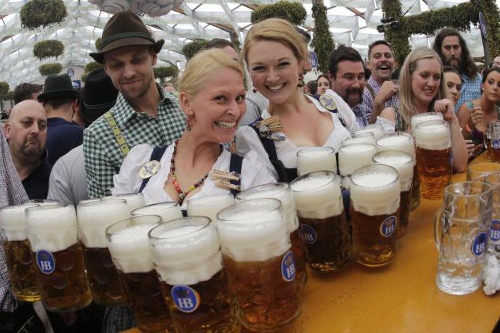 POČELA ZABAVA: Svečano otvoren 181.Oktoberfest!