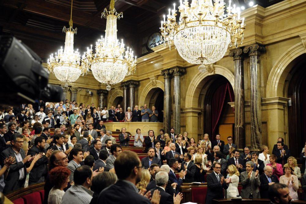 REFERENDUM PO SVAKU CENU: Katalonci ne mare za odluku Ustavnog suda Španije