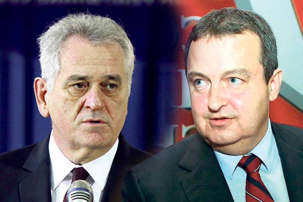 HAVARIJA: Nikolić i Dačić ostali bez šeikovih mercedesa