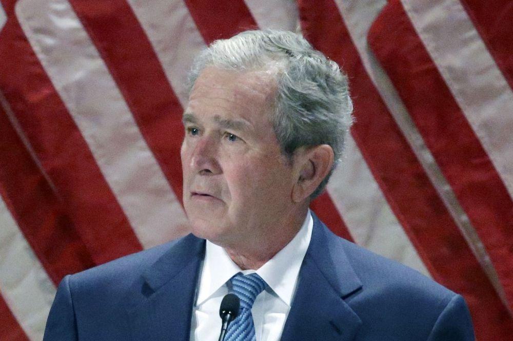 CIA KONAČNO OTKRILA: Evo šta je Džordž Buš pitao par minuta pre napada na kule bliznakinje!