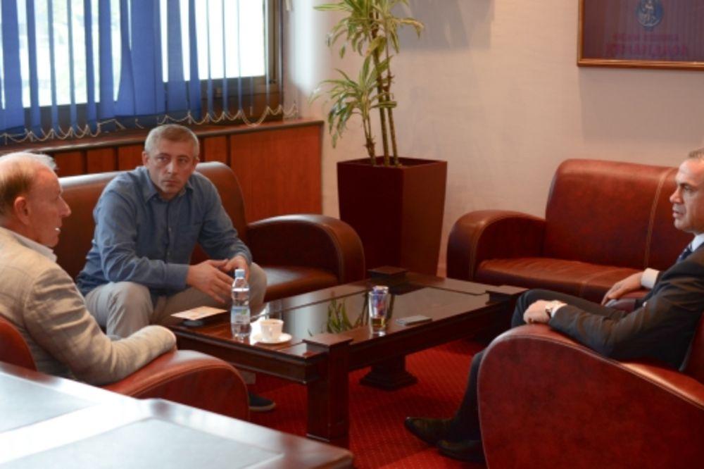 ZVEZDINA ŽELJA: Dažjić umesto Karadžića na čelu FSS