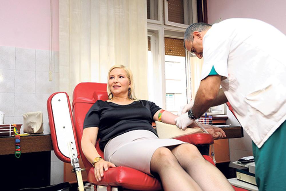 Dušan Bajatović: Bolje da dam krv nego da je piju neki ministri