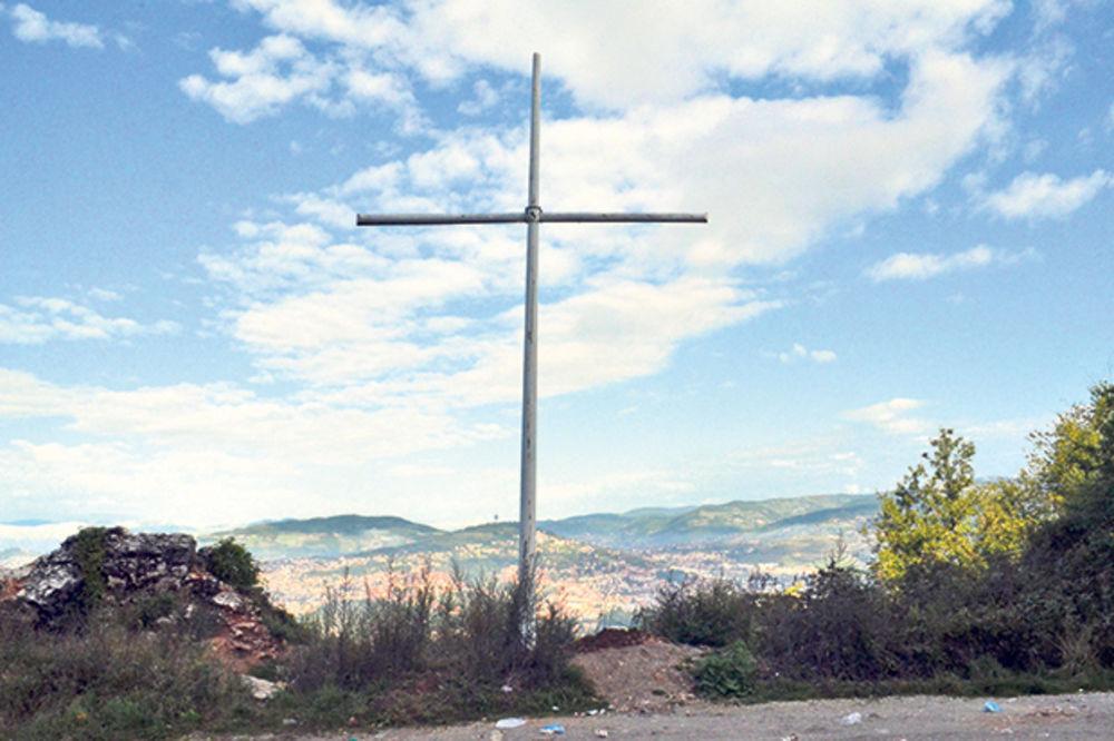 TEŽAK INCIDENT U SARAJEVU: Rušili krst podignut ubijenim Srbima!