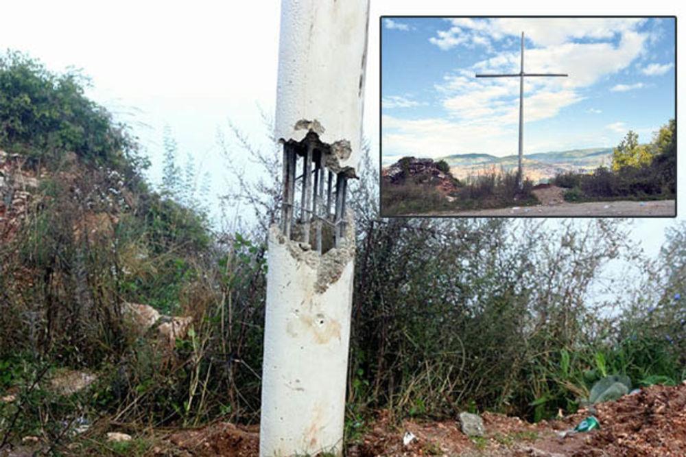 VANDALI RAZVALILI BETON: Novi napad na krst na Zlatištu iznad Sarajeva!