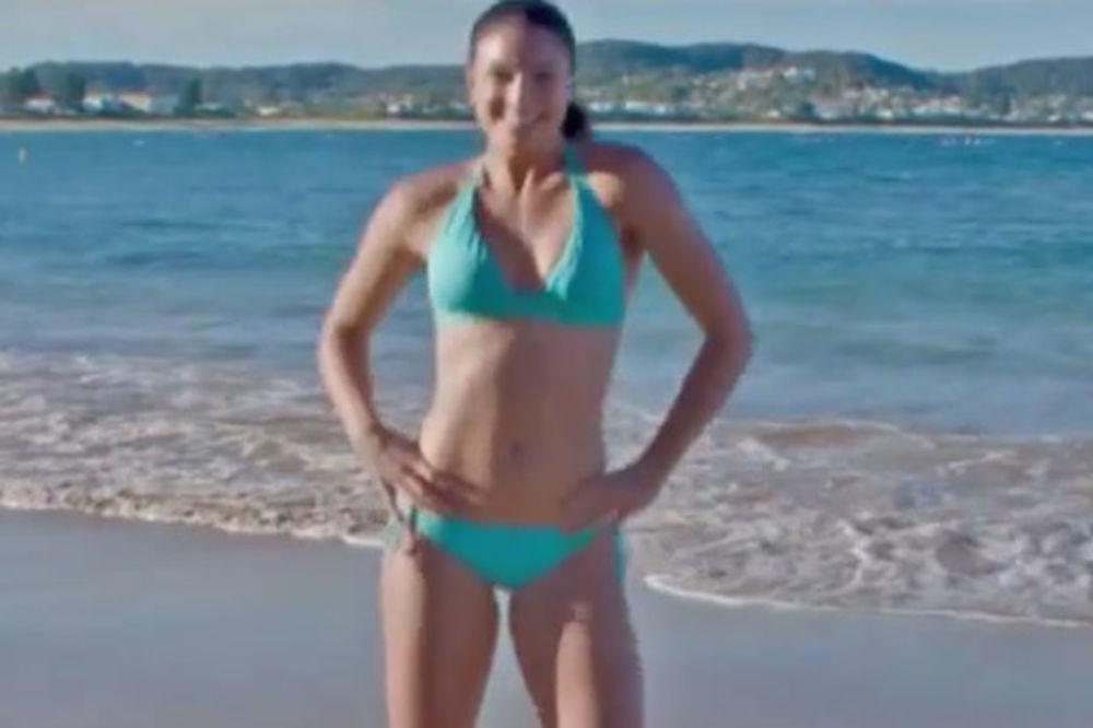 (VIDEO) VRUĆI BIKINI PLES: Atraktivna australijska atletičarka se zaigrala na plaži