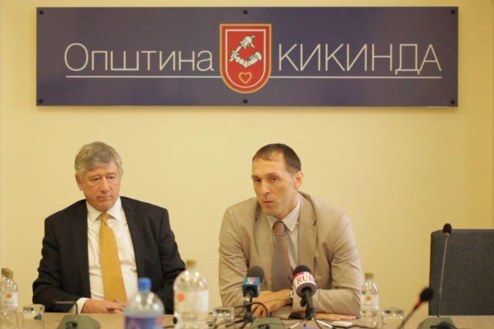 SPREČILI BANKROT: Opština Kikinda svojim zaposlenima smanjila plate do 30 posto!