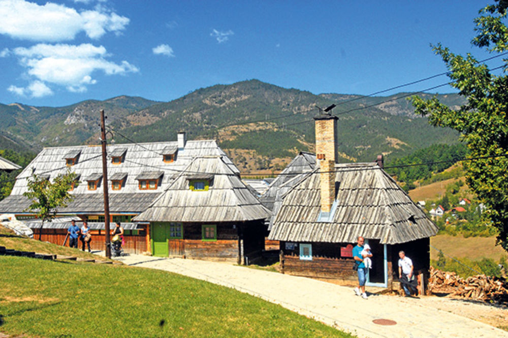 Mokra gora i Andrićgrad raj za oči i dušu