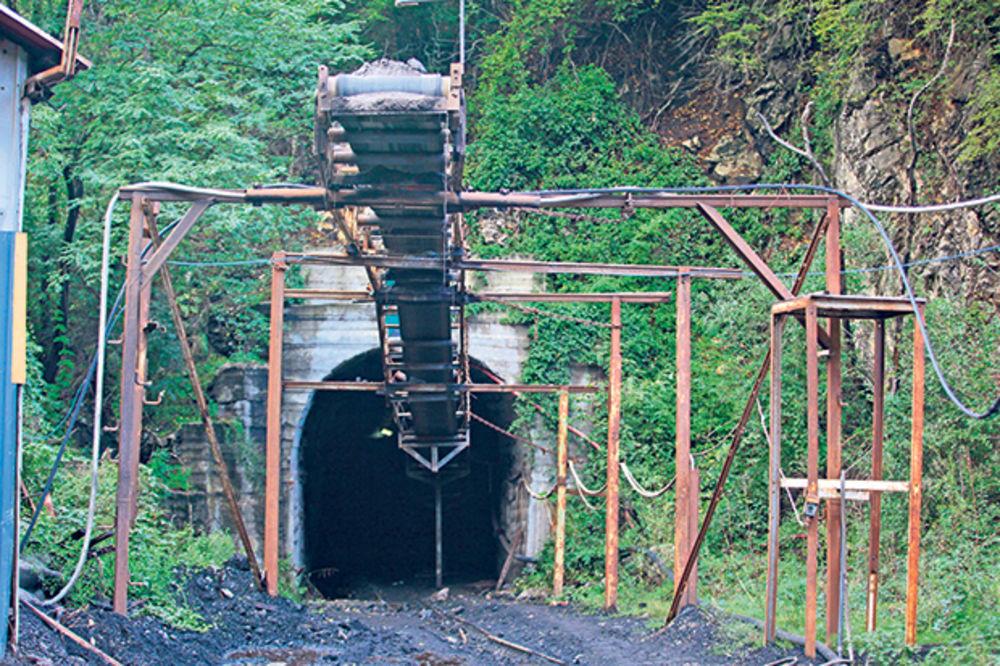 "Opasno... Ulaz u rudnik ""Resavica"""
