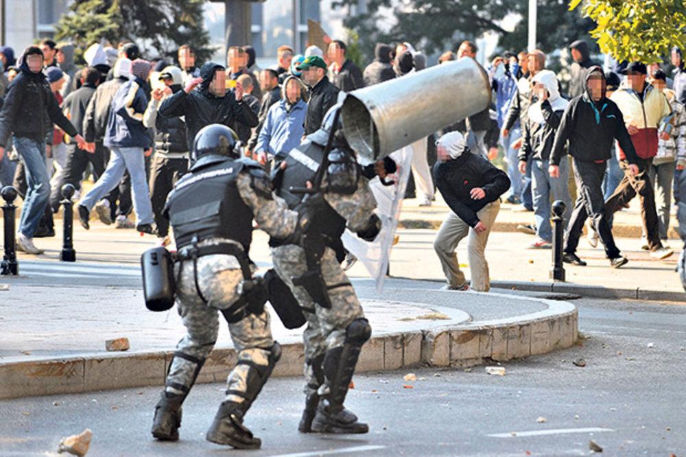 BLOKADA: Policija ne može da hapsi zbog štrajka advokata!