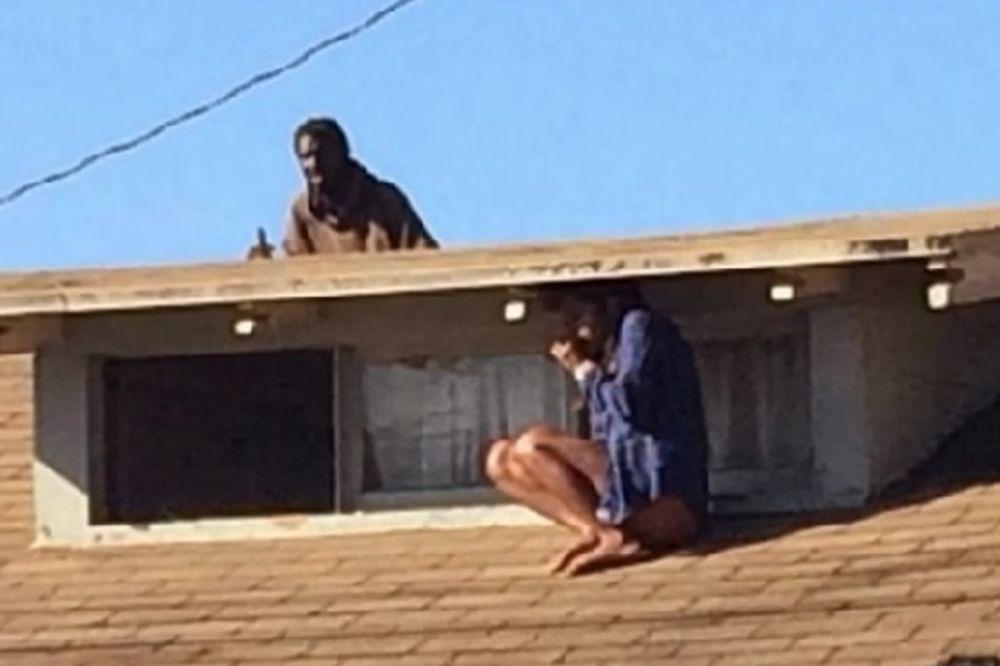 KOMŠIJA SVE SNIMIO: Glumica pobegla od provalnika na krov, on krenuo za njom!
