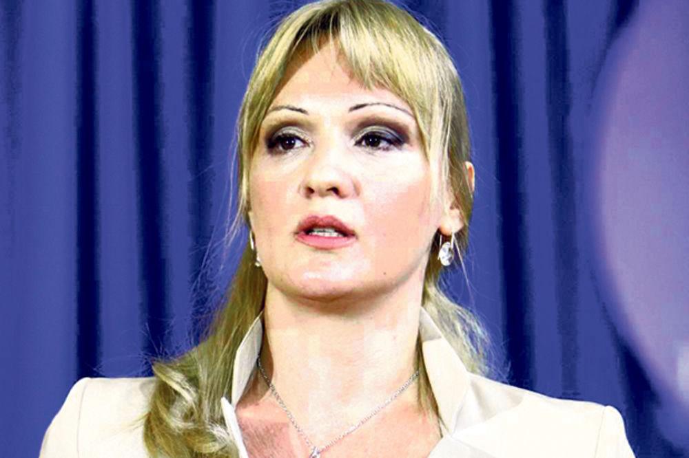 BEZ BLAMA: Nikolićeva savetnica Stanislava Pak šalje ljude po lekiće