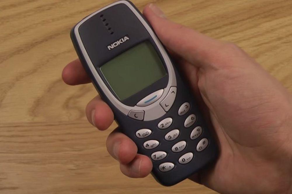 (VIDEO) NOKIJA ODLAZI U ISTORIJU: Nostalgična evolucija neuništivih telefona!