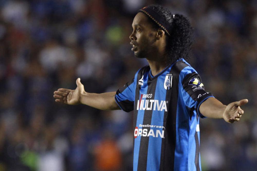 (VIDEO) RONALDINJO ZALUDEO MEKSIKANCE: Marijači za brazilskog fudbalera