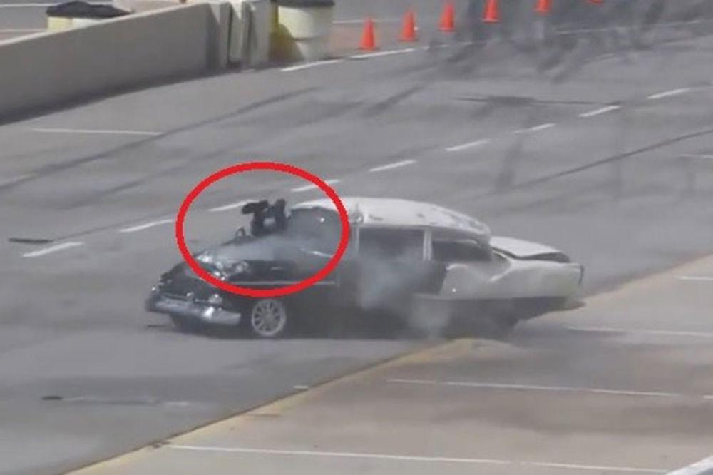 (VIDEO) VOZAČ PROŠAO KROZ VETROBRAN: Pogledajte udes koji je šokirao svet!