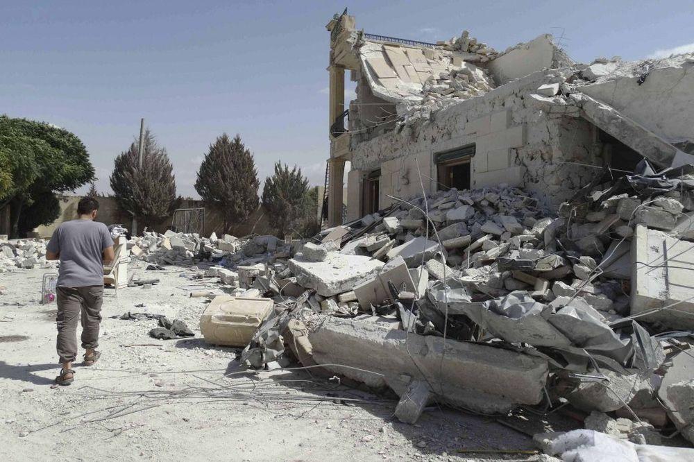 HRV: Proamerička koalicija gađala selo bez džihadista, poginulo petoro dece!