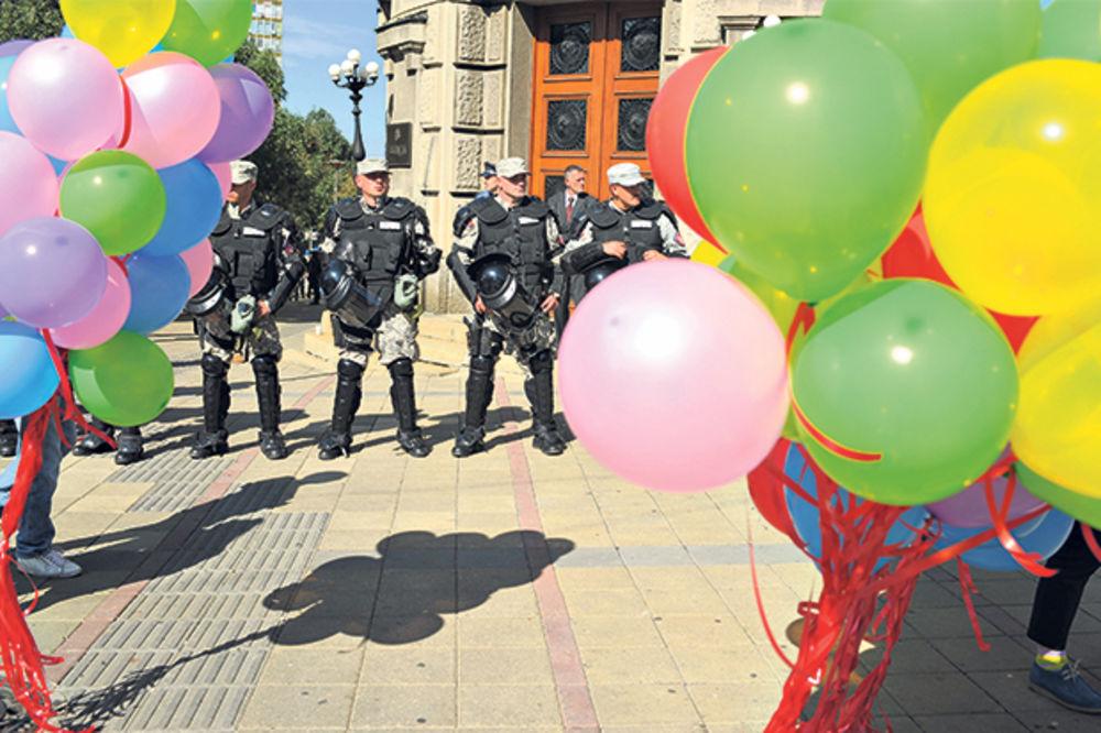PRESKUPO: Srbija platila paradu milion evra!