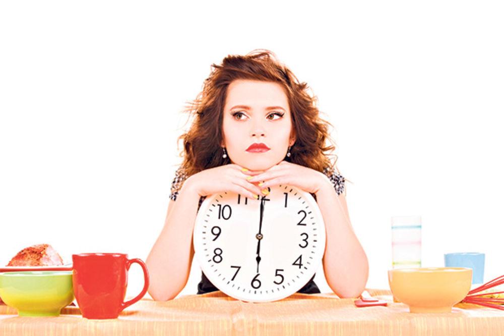 HRONO-ISHRANOM DO ZDRAVLJA: Smršajte i pobedite bolest uz određeni ritam unosa hrane!